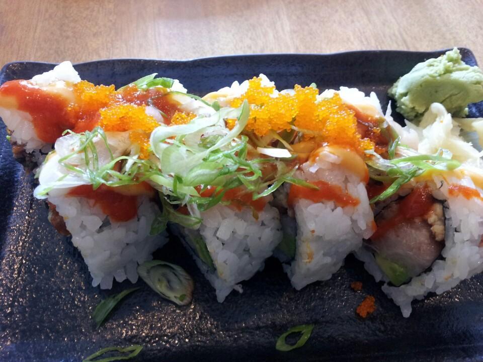 salmon-skin-roll-mo-ta-anh (4)