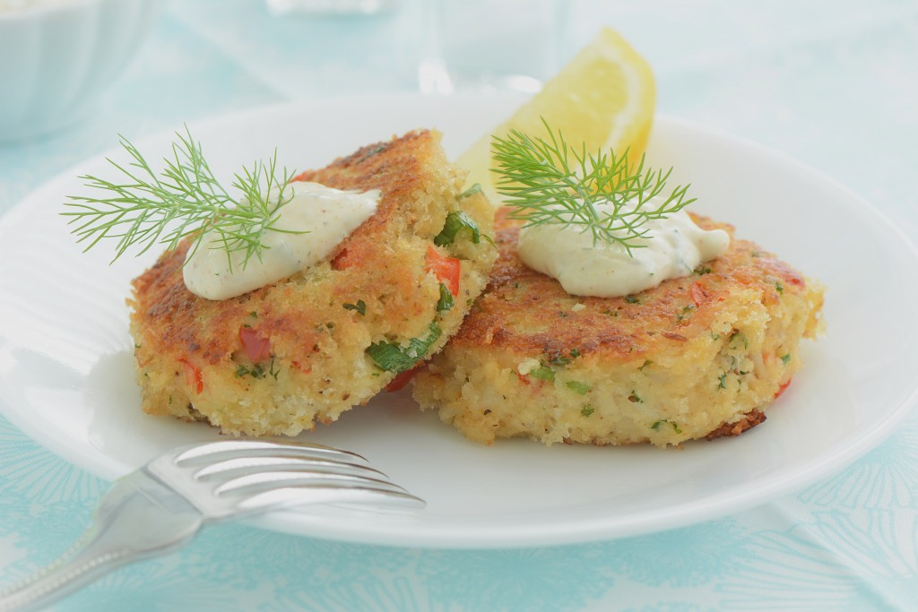 what to serve with crab cakes.jpg